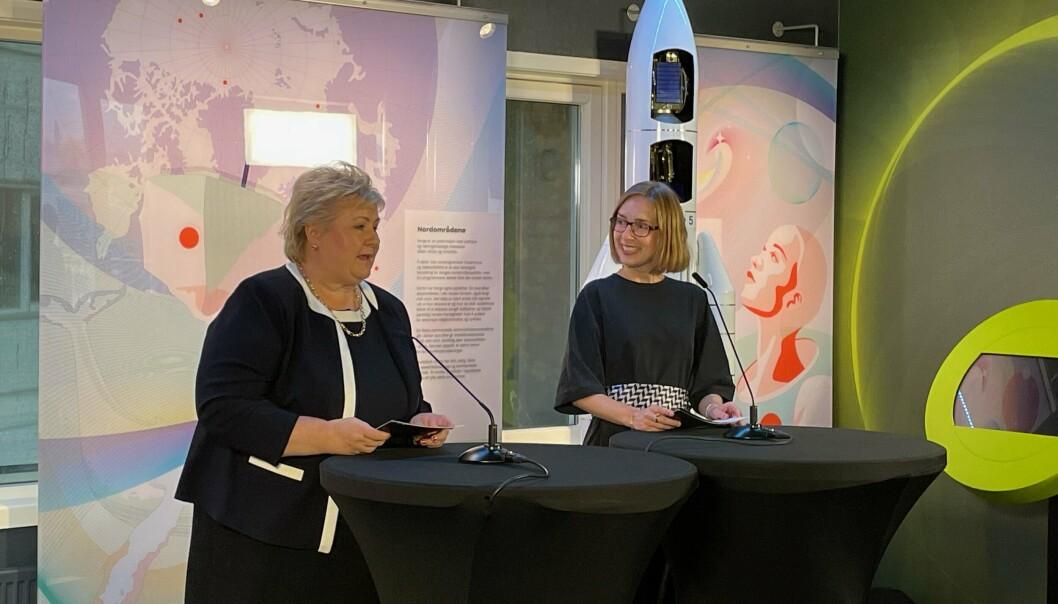 KLARSIGNAL: Statsminister Erna Solberg og næringsminister Iselin Nybø under pressekonferansen 8. oktober 2021. Andøya Space har fått klarsignal for å etablere oppskytningsbase for små satellitter.