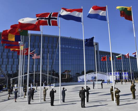 Den nye forsvarsministeren skal rett til Nato-møte i Brussel