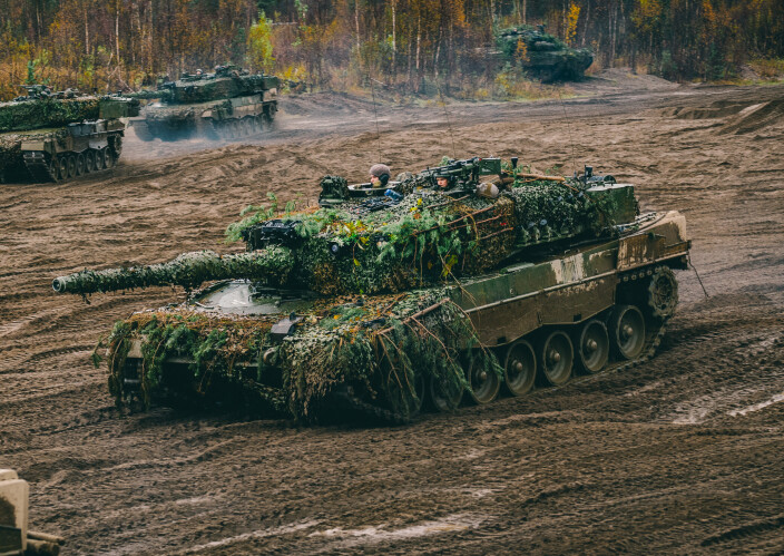 Planlegger å signere stridsvogn-kontrakt i 2022