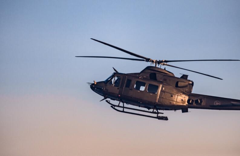 Forsvaret flyttet to helikoptre for å støtte politiet på Kongsberg