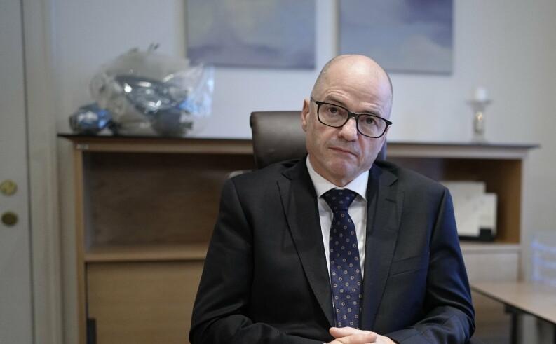 Forsvarsministeren vil bedre forholdet til Russland