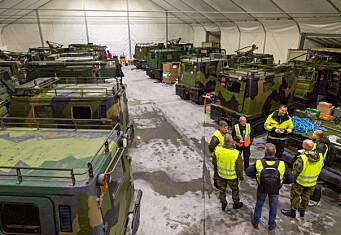 900 beltevogner, stridsvogner og andre kjøretøy vedlikeholdes på ti dager